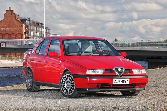 Liikettä ja luonnetta – Alfa Romeo 155 V6 '92